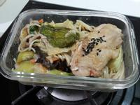 黃金泡菜菇雞炒麵