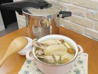 壓力鍋煮「韓式一隻雞湯鍋」快速又美味 ♪