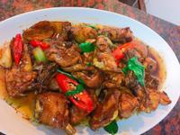 餐桌上的人妻料理*經典菜三杯雞。