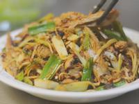 家常快炒∣薑絲炒鰹魚 酸鮮好下飯