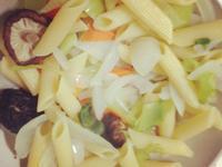 蔬菜筆尖管麵