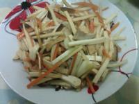 香菇豆干拌炒茭白筍絲