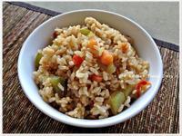 20分鐘出好菜。 菜圃蔬食糙米炒飯