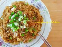 港式高麗菜培根炒麵 簡易。家常麵點。午餐