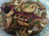 紫洋蔥辣炒滷大腸