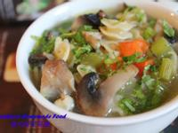 雞肉蔬菜湯麵Chicken Noodle Soup
