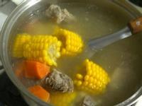 玉米紅蘿蔔湯