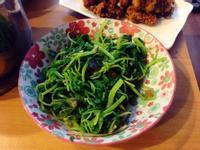餐廳菜餚---皮蛋炒莧菜