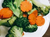 紅蘿蔔炒花椰菜