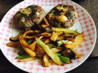 香菇芦笋蚝油煎汉堡牛肉饼