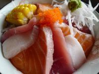 超澎湃海鮮丼飯