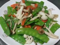 荷蘭豆炒菇菇♡