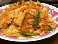 泡菜炒豆皮