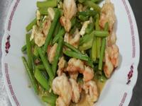 芹菜炒鹹蛋蝦