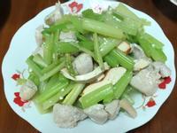 芹菜炒雞丁