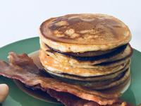 美式早餐煎餅+微波爐脆培根