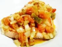 香煎鮭魚佐莎莎醬