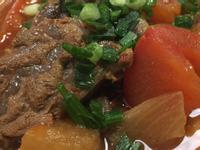超簡單(萬用鍋)蕃茄燉牛肉