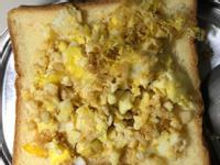 電子鍋-炒醬油蒜頭蛋