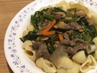 蘑菇菠菜牛肉義大利麵