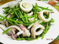 ㄚ曼達的廚房~康寶鮮味炒手鰹魚風味~蘆筍花炒中卷