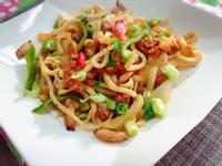 炒泡菜烏龍麵(水波爐料理)