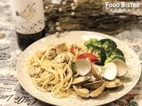 清炒白酒蛤蜊雞肉義大利麵