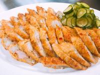 雞捲+自製沾醬+ 酸甜小黃瓜