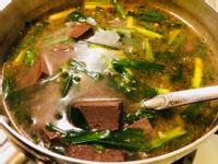 韭菜沙茶豬血湯