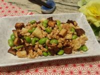毛豆仁豆乾丁炒雞肉