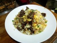 油漬香蒜牛肉炒飯