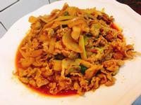 餐桌上的人妻料理* 開胃的泡菜炒豬五花。