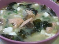 爭鮮味增鮭魚湯