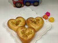 優格香蒜心形麵包