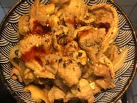香菇洋蔥豬肉蓋飯