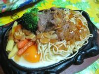 蘑菇牛肉鐵板麵