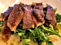 黑毛和牛牛排沙律三文治