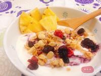 【早餐】水果希臘優格