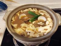 清冰箱的好料理:蛤蜊美白菇咖哩冬粉煲