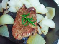「增肌減脂5分鐘料理」-洋蔥牛排