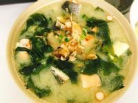 簡易海鮮料理:愛不釋口的鮭魚味噌湯