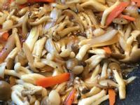鰹魚風味炒雙色菇