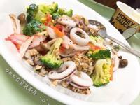 低卡、低油輕食藜麥優格鮮蔬綜合餐