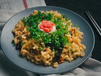 金螃蟹海鮮風味拉麵之明太子乾拌麵
