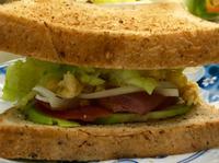 三明治、沙拉、酪梨蘋果牛奶~ㄧ次三品早餐