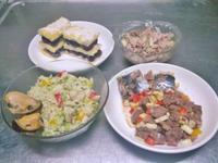 鮮食🐾蛋糕 青醬蔬菜麵 菜蒸肉 烤牛肉