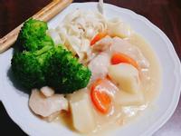 白醬寬麵(北海道好侍奶油白醬)