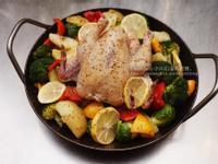 義式香料烤小春雞與很多蔬菜