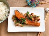 洋蔥燒鮭魚