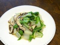 鮮香菇炒小白菜。簡易便當菜